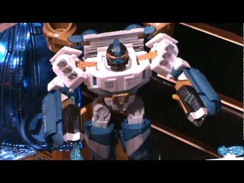 Transformers Sea Spray, Leader Class Starscream, Battle Damaged Prime and more - Toy Fair 2010