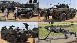 2017陸上自衛隊久居駐屯地「装備品展示」(AH-1S, UH-60JA, UH-1J, OH-6D, 61式戦車, 74式戦車, 87式偵察警戒車, 96式装輪装甲車,火器・弾薬等,水兵さん?)