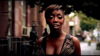 Estelle - Wait A Minute [Just A Touch] (video)