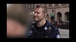 Poliisit Helsinki - Kadulta herätetty on kielimiehiä.