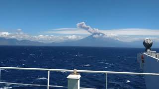 Bali, MT Agnus Volcano eruption caught live from a Ship