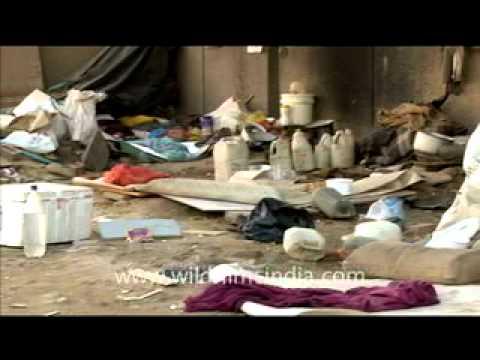 Slum existence in New Delhi