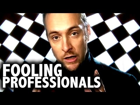 Thumbnail: Derren Brown Fooling Professionals | Compilation