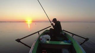 В ЭТОМ ОЗЕРЕ ПОЛНО РЫБЫ ЛОВЛЮ щуку НА ЖЕРЛИЦЫ Рыбалка с ночёвкой