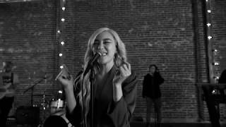 Lips On Lips Live Session | Tiffany Young