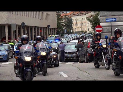 Sparatoria Trieste, l'omaggio di tutte le forze dell'ordine ai colleghi uccisi