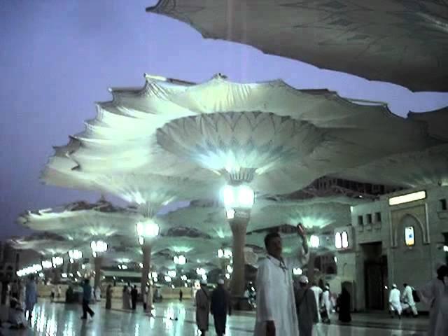LIEBHERR - 600 To  - Sonnenschirm für Mekka - Umbrella for