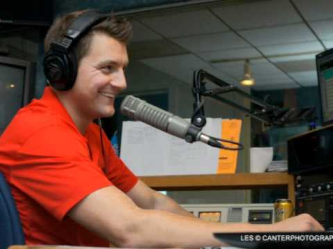 Ryan Lencl interviews Vinny Cerrato of 105.7 The Fan on The Angle of Pursuit 12-1-11