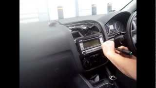 Radio Removal Volkswagen Golf (2006-2010) | JustAudioTips