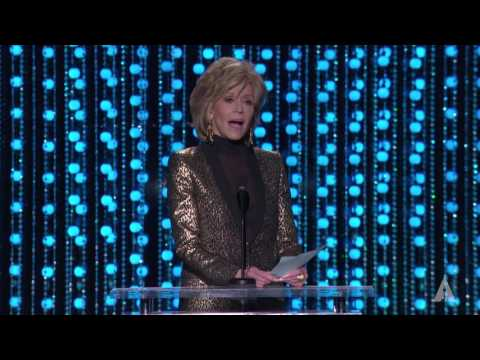 Jane Fonda honors Debbie Reynolds at the 2015 Governors Awards
