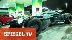 Batman an der Tankstelle - Ein Superhelden-Fahrzeug mit Tücken