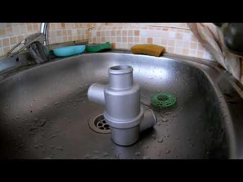 Проверка термостата горячей водой.