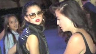 Selena Gomez Gets Pissed off At Paparazzi and Fans