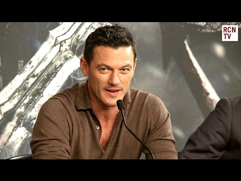 Luke Evans & Ryan Gage   The Hobbit Battle of the Five Armies Premiere