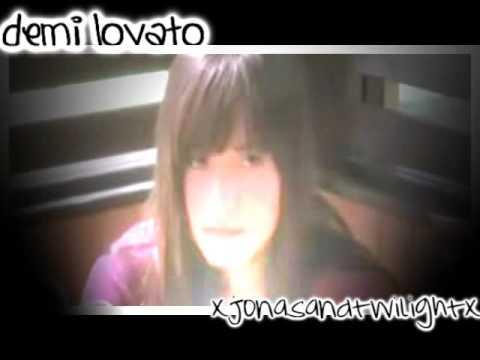 Demi Lovato // Cry