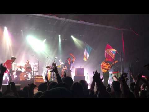 Young the Giant - Silvertongue (Live at Marquee Theatre)