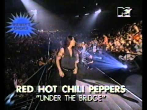 Denis Leary and Cindy Crawford presented Viewers Choice MTV VMA 1992 Red Hot Chili Peppers