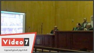علاء عبد الفتاح ودينا عبد الرحمن يظهران بفيديوهات