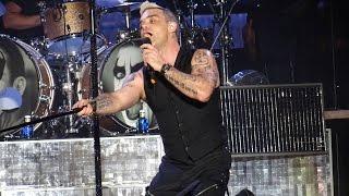 Robbie Williams - Let Me Entertain You @ Hard Rock Rising 2015
