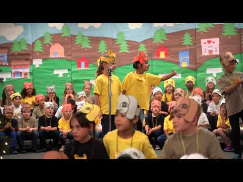 Seacliff Elementary School's First Grade Performance Of The Unity Tree