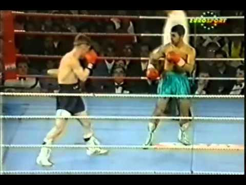 Naseem Hamed vs  Chris Clarkson