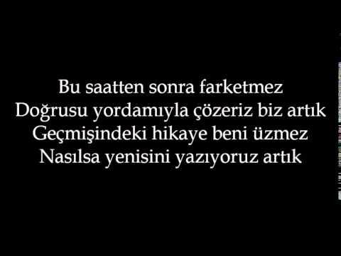 Murat Dalkılıç & Emrah Karaduman (Kırk Yılda Bir Gibisin) LYRİCS