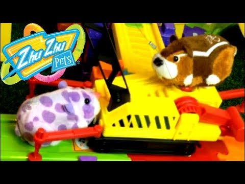 Smart Wheel City: Zhu Zhu Construction Team! Everything Breaks when Zhu Zhu Pets have diggers!