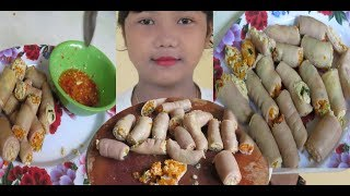 How To Cook Mix Eggs With Pig Bowel Recipe   Village Food Factory