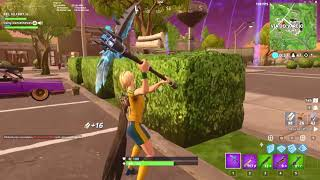 I PLAYED WITH THE FOOTBALL PLAYER'S SKIN [FORTNITE BATTLE ROYALE]