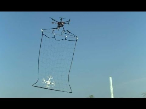 Japan's police drone catches a quadcopter