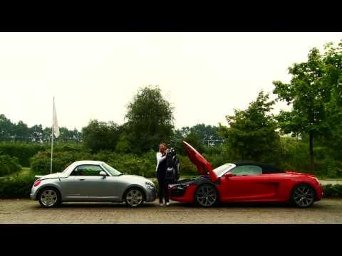 Daihatsu Copen vs. Audi R8 Spyder - Golfbagtest