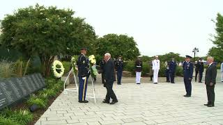 Mike pence lays wreath at pentagon 9/11 ceremony