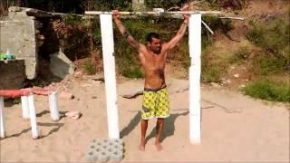 Болгарский атлет с пляжа Ривьера(Во время отдыха в Золотых Песках Болгарии познакомился с отличным человеком. Он очень любил заниматься..., 2014-06-06T11:09:45.000Z)