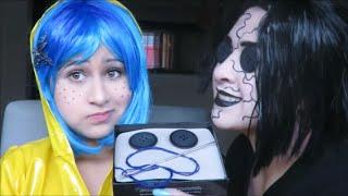maquillaje y disfraz para halloween de Coraline