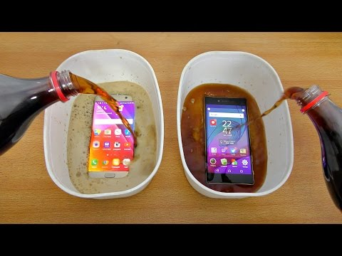 Samsung Galaxy S7 Edge vs Sony Xperia Z5 Premium Coca Cola Test! (4K)