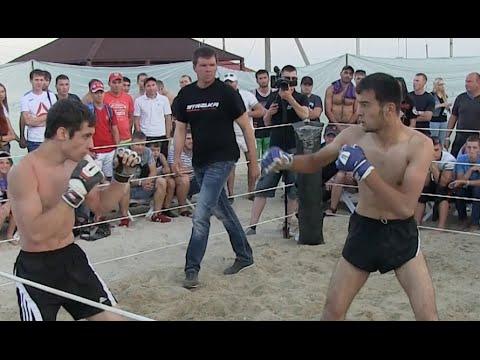Фомич против Зубайра пляжного бойца без правил.