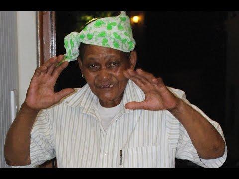 UMkhize Uthenga Izicathulo Ezintsha - UMkhize Buys New Shoes -- Zamani Zulu Stories