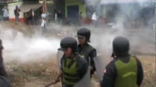 NOTA COMERCINATES DE EL PROGRESO SE ENFRENTAN A POLICIAS EN DESLAOJO