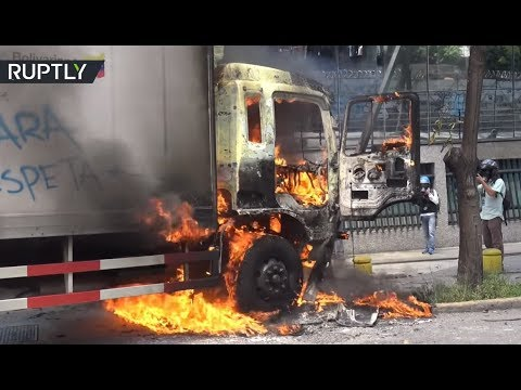 RAW: Violent clashes between anti-Maduro protesters and police in Venezuela Mp3