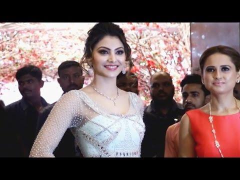 Urvashi Rautela Inaugurates Glamour 2016 | Premium Jewellery Exhibition