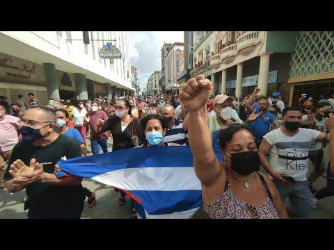...حشود من المتظاهرين في شوارع ولاية فلوريدا تضامنا مع ا  - 09:56-2021 / 7 / 13