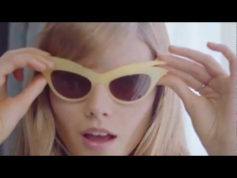 d039ee3642e Christian Dior - Miss Dior Cherie - YouTube