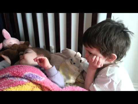 Dancing on daddy's lap at Disney on iceKaynak: YouTube · Süre: 53 saniye