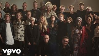 Band Aid 30 - Do They Know It's Christmas? (2014)(Band Aid 30 - 'Do They Know It's Christmas' Buy the song. Stop the virus. #BandAid30 Download now on iTunes - http://po.st/DoTheyKnow Google Play ..., 2014-11-17T09:36:46.000Z)