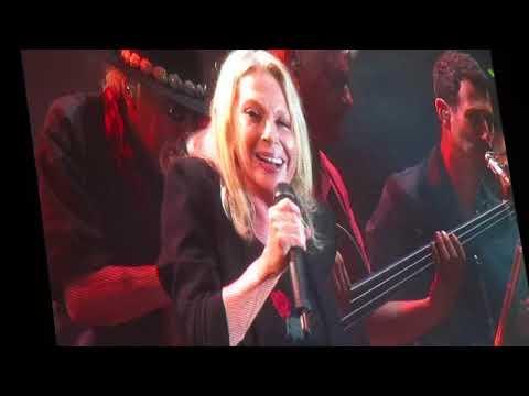 """Véronique Sanson  """" Drôle de vie """"  CONCERT  Musicalarue  2017"""