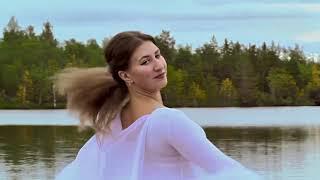 Чайка Ирина Московникова (вокал) Карина Ситнева(хореография)