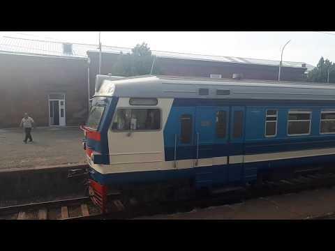 Прибывает электропоезд ЭР2-3041/8026  Ереван - Шоржа на станцию Абовян - Электрички Армении