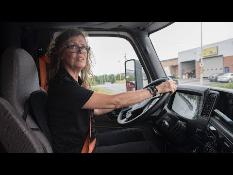 'If I Can Do It, You Can Do It:' Woman Big-rig Driver
