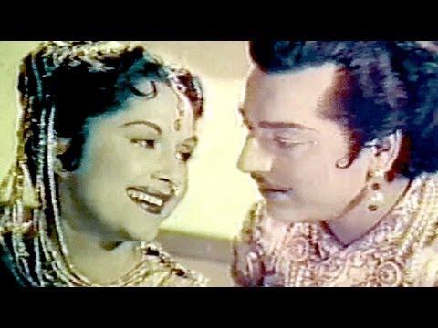Mat Maro Shyam Pichkari - Lata, Bina Rai, Pradeep Kumar, Durgesh Nandini Holi Song