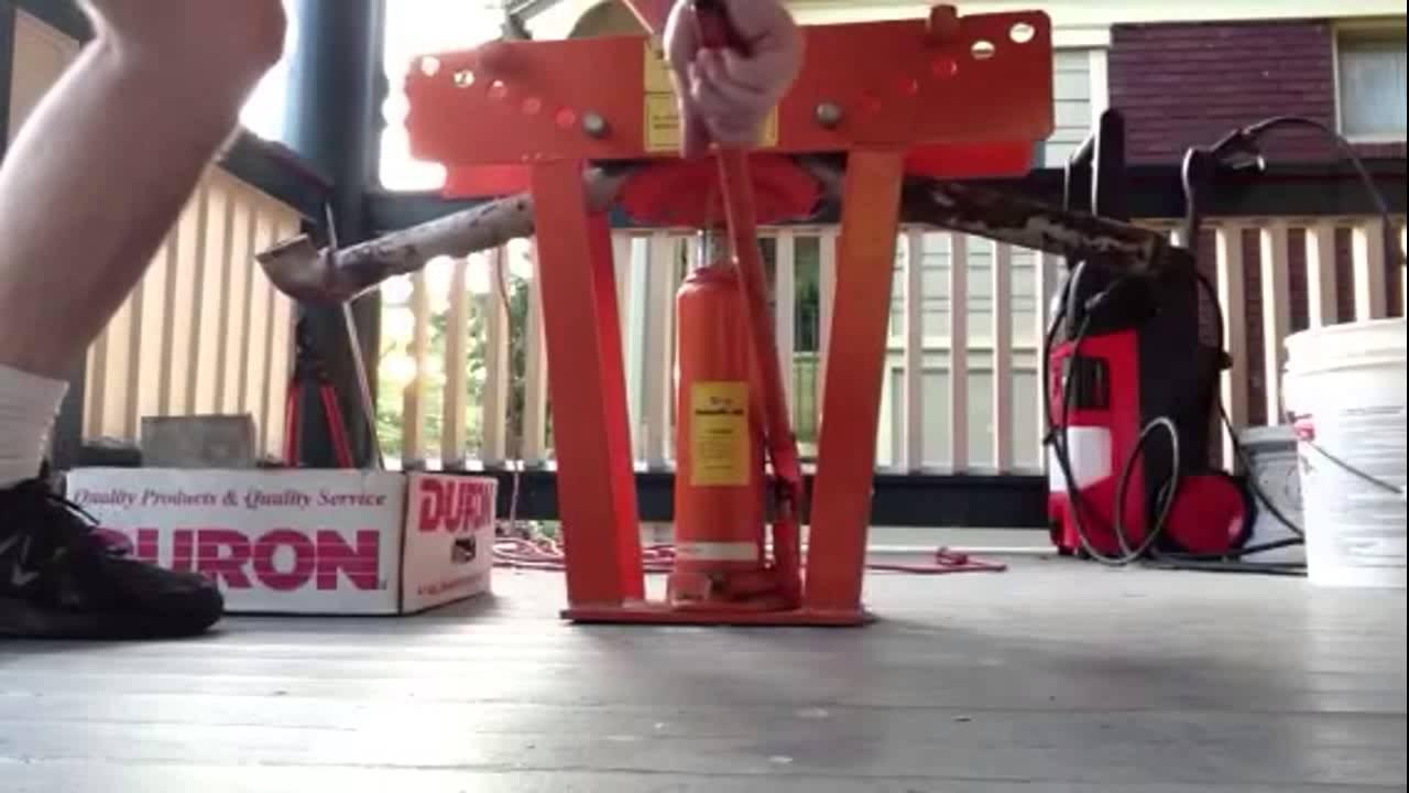 Harbor freight pipe bender - YouTube